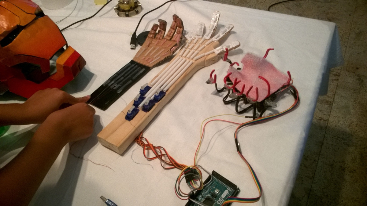 Interesting prototypes of robotic hands - even with remote controlled operation mode